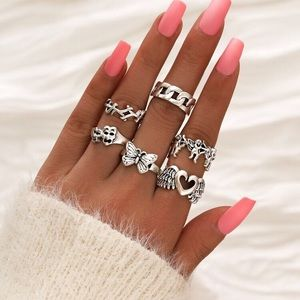 NWT 6 Piece Butterfly 🦋 Heart Ring Set
